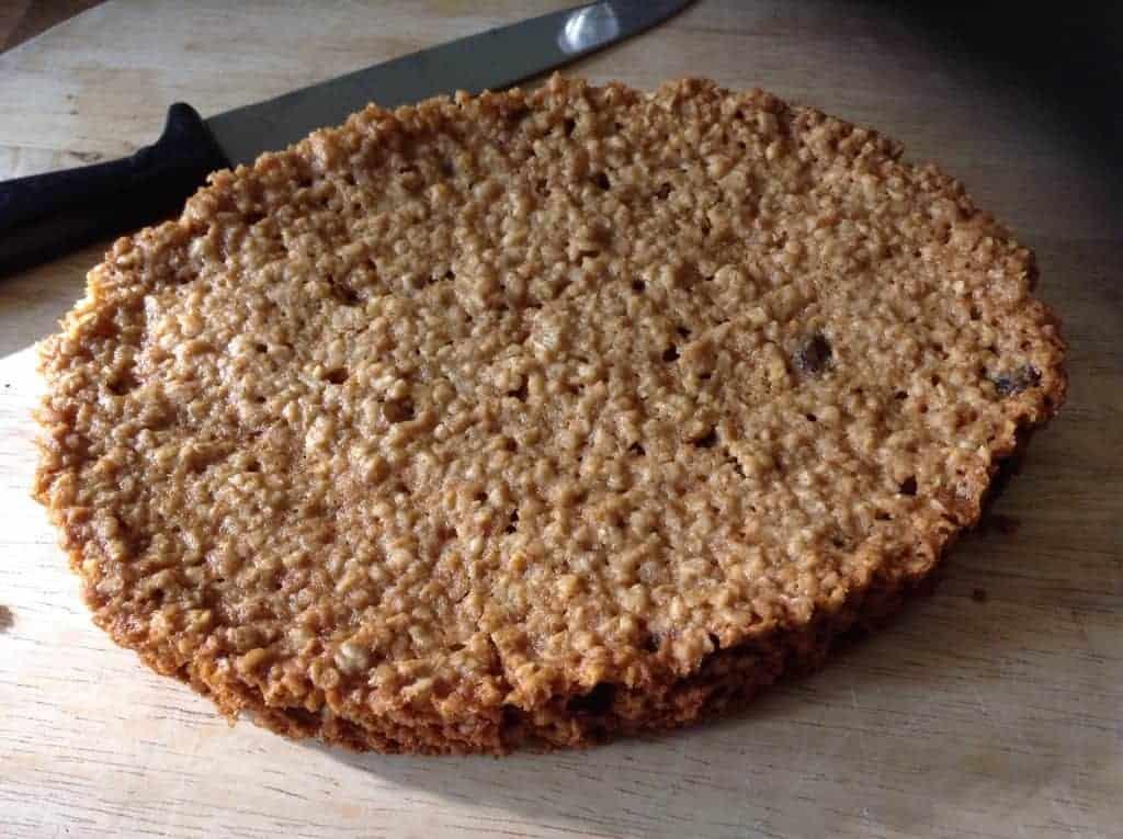 Slow Cooker Cinnamon, Oat and Raisin Cookie Bars by BakingQueen74