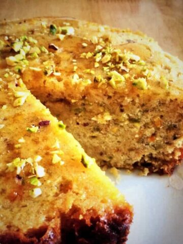 Slow Cooker Orange, Pistachio and Honey Cake
