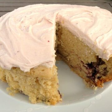 Slow cooker lemon and blackberry cake