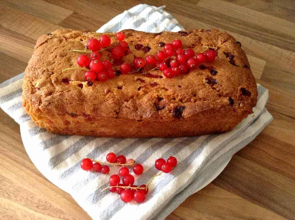 Redcurrant and orange loaf cake