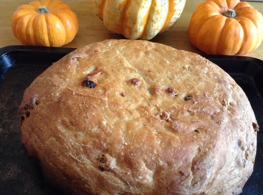Slow Cooker Pumpkin Apple Sultana Cinnamon Bread