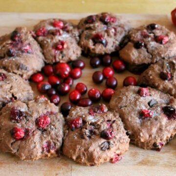Chocolate cranberry scone wreath - a lovely festive centrepiece