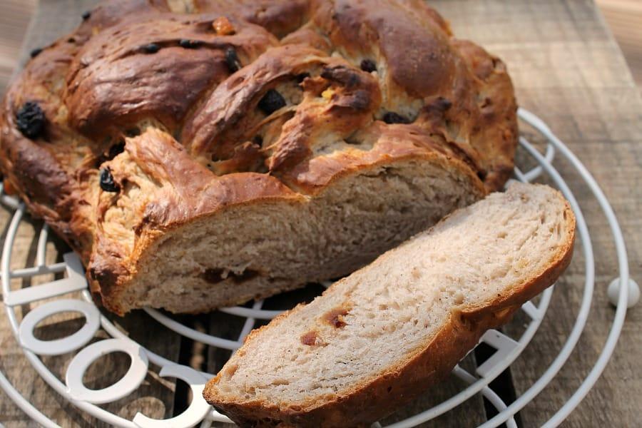 Fruit bread crown