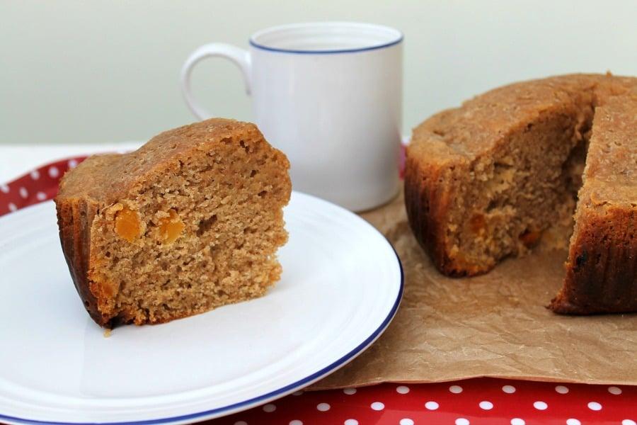 Slow cooker apricot spelt loaf cake