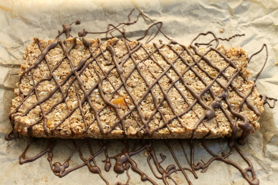 Oaty no-bake bars