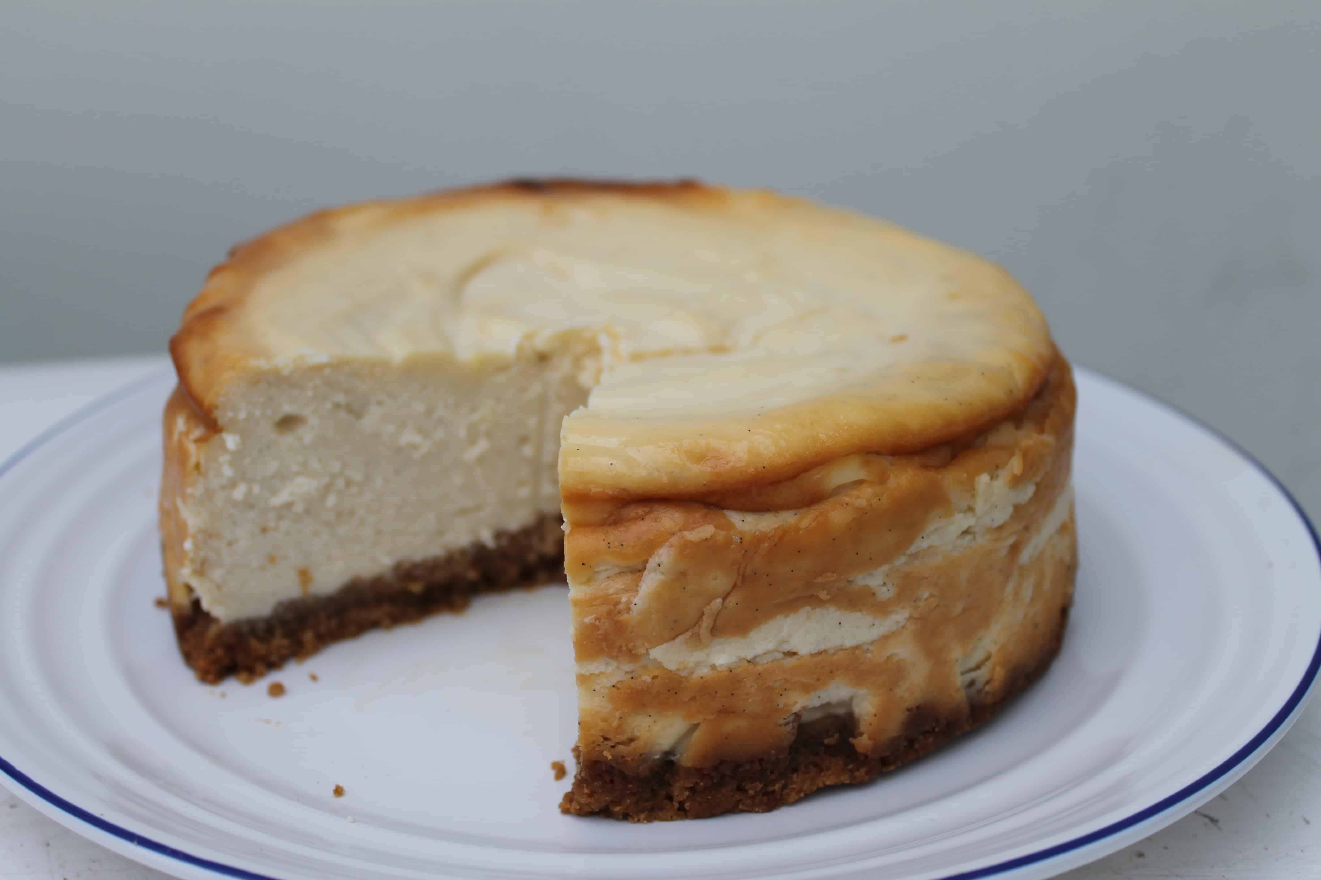 Nielsen-Massey Baked Vanilla Cheesecake - BakingQueen74