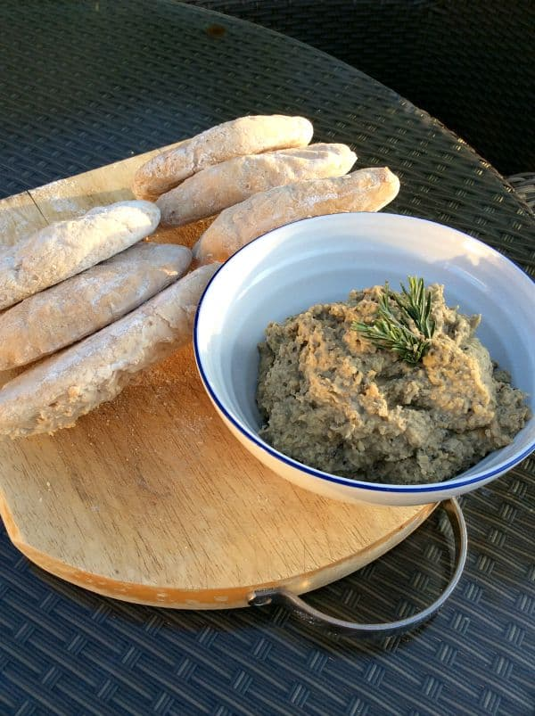 Gluten-free Pitta Breads and Olive Houmous - BakingQueen74