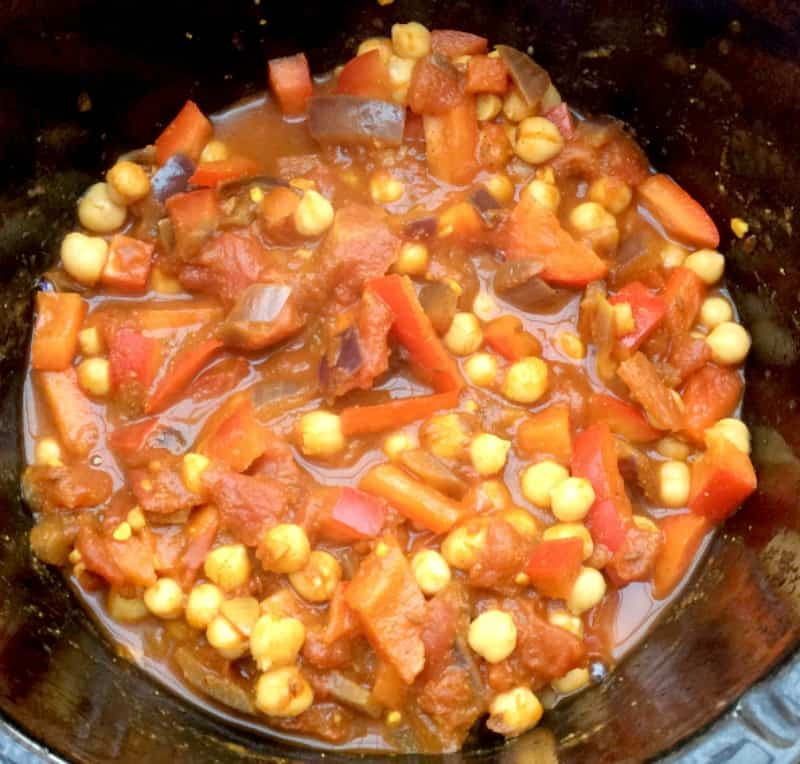 Slow Cooker Chickpea and Paneer Curry