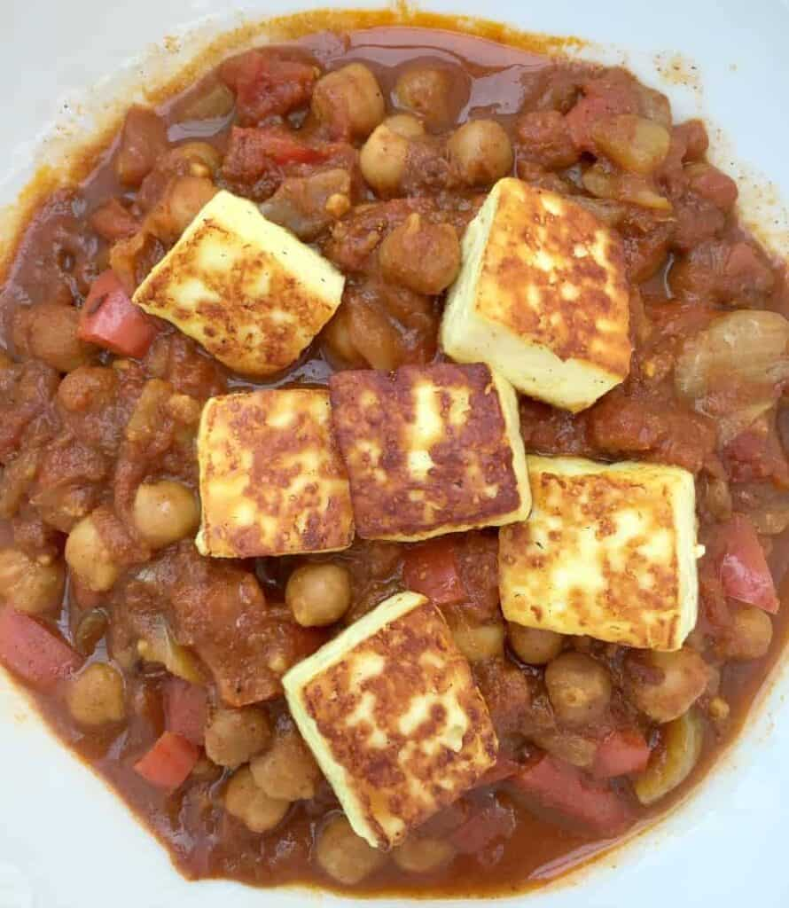 Slow Cooker Chickpea and Paneer Cheese