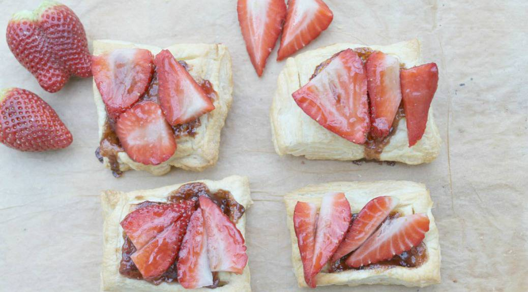 Easy Strawberry Tarts