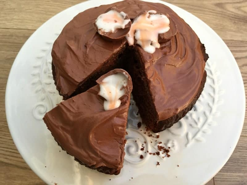 Slow Cooker Creme Egg Chocolate Cake
