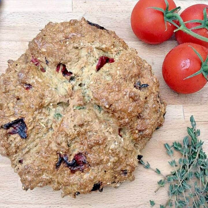 Roasted Pepper and Thyme Soda Bread