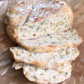 Slow cooker mozzarella and herb soda bread