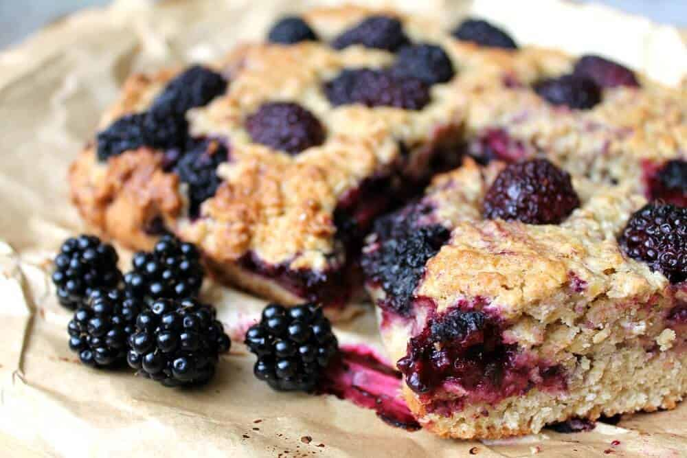 Blackberry Oaty Traybake – Ideal for Late Summer