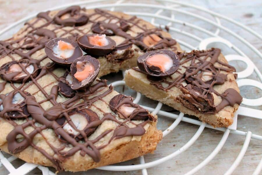 Slow Cooker Creme Egg Shortbread