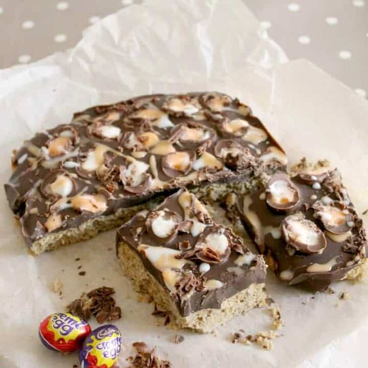 Creme Egg Cookie Bars