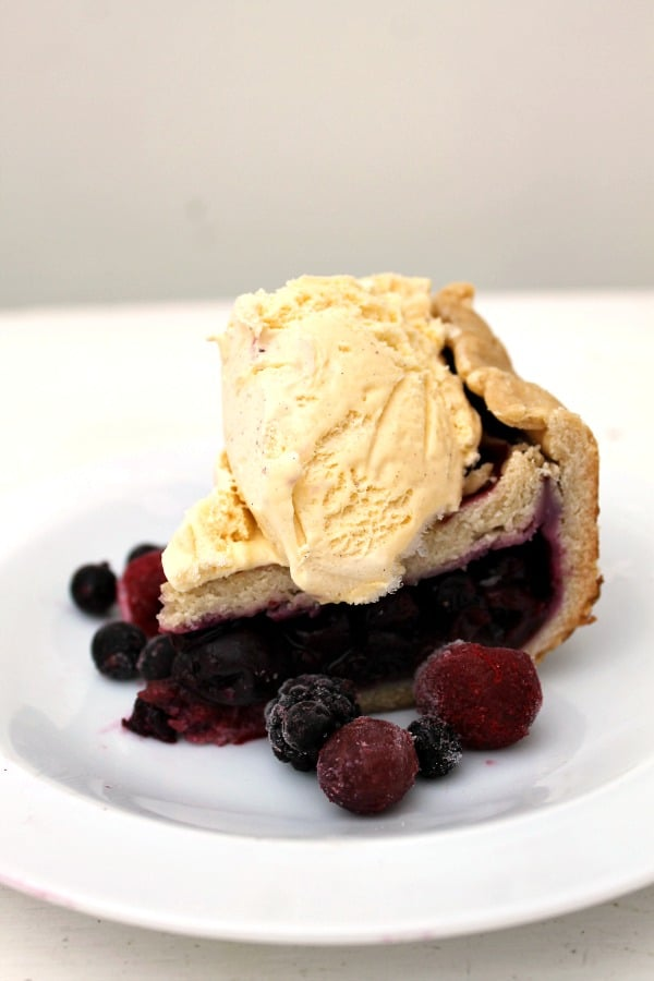 Slow cooker berry pie!