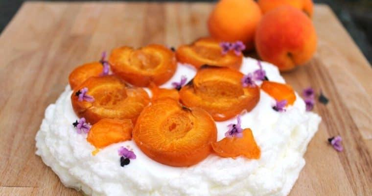 Sugar-free Apricot Pavlova