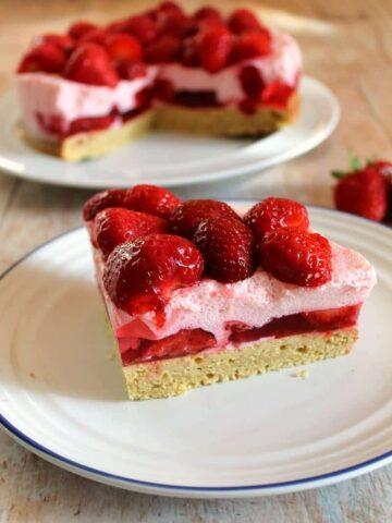 Strawberry mousse cake recipe - an easy but impressive dessert full of summer's finest strawberries