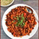 Vegan slow cooker chilli text photo collage.