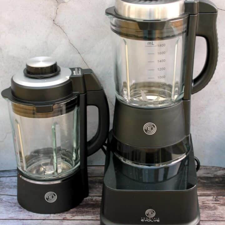 Blender with two jugs.